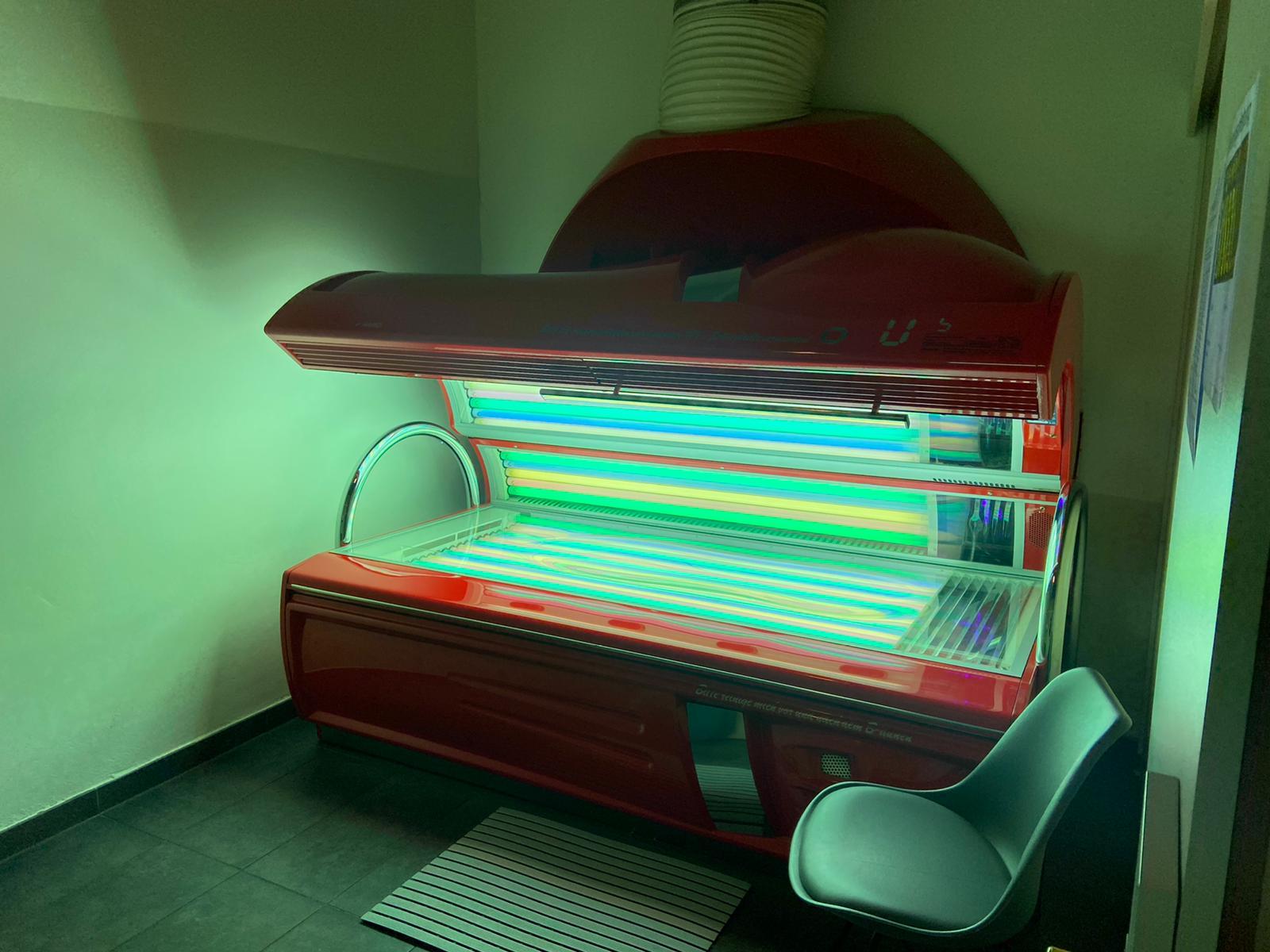 Studio Sunlight Solarium LUXURA 620SLi rainbow light